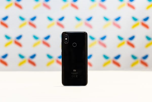 Xiaomi Mi 8 cierny (4)